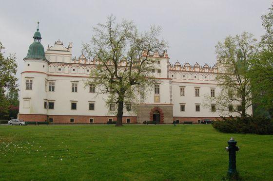 Zamek w Baranowie Sandomierskim – elewacja południowo-zachodnia