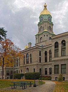English: View of the Cabell County Courthouse ...