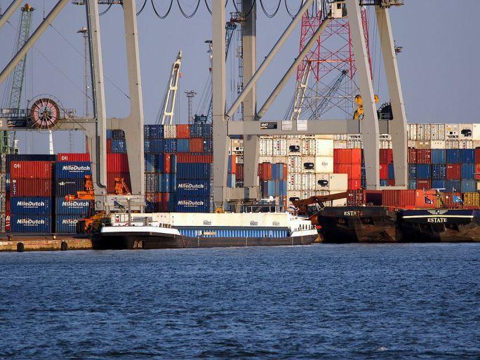 Krabbegeul - ENI 02325257, Port of Rotterdam