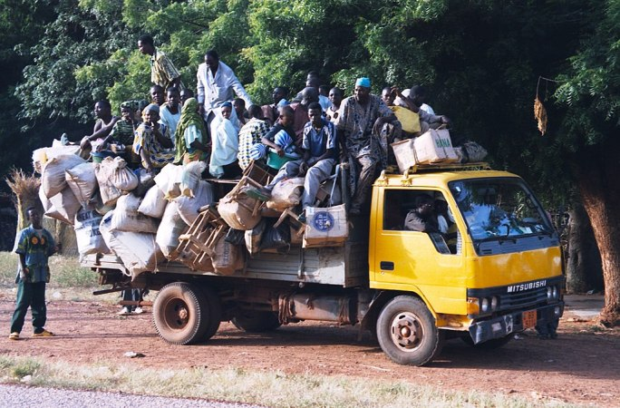 Niger highway overloaded camion 2007