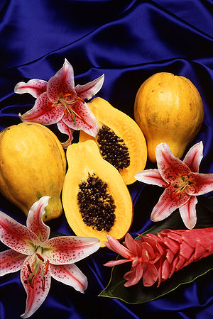Hawaiian papaya (with lilies and ginger)