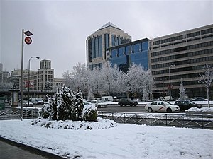 English: Snowfall in Paseo de la Castellana (a...