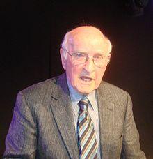 Lloyd Geering, 2011.jpg