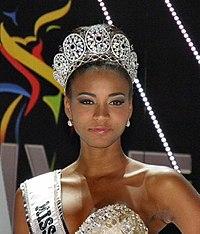 https://i2.wp.com/upload.wikimedia.org/wikipedia/commons/thumb/d/d6/Miss-universe-2011-leila-lopes.jpg/200px-Miss-universe-2011-leila-lopes.jpg