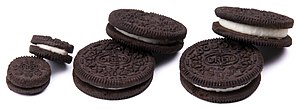 English: Different sizes of Oreo cookies. From...