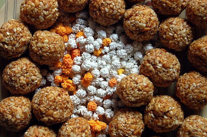 These 'tilguls', traditional marathi laddoos e...