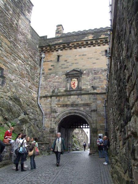 File:Edinburgh Castle Portcullis Gate.jpg