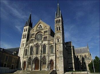 Basilique Saint-Remi (Basilica Saint Remigius)...
