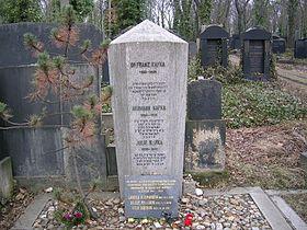 Franz Kafkas Grab Auf Dem Neuen Judischen Friedhof In Prag Zizkov