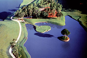 "The ""Island Green"" 17th hole at the ..."