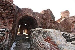English: Ruins of Curtea Domnească (voivodal p...