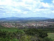 Relevo acidentado de Gravatá, agreste, comum em boa parte do interior pernambucano. Alguns pontos do estado ultrapassam os 1200m