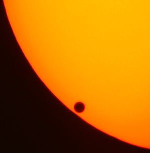English: Transit of Venus - Venus completely o...