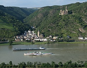 English: Wellmich with Maus castle near Sankt ...