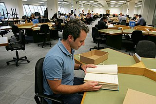 Researcher at the National Archives. Image source: http://commons.wikimedia.org