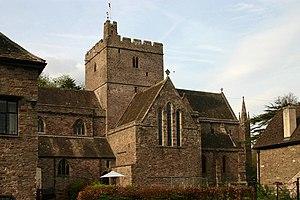 English: Brecon/Aberhonddu Cathedral South sid...