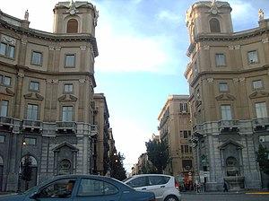 Italiano: Ingresso di via Roma a Palermo
