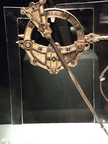 English: Tara Brooch