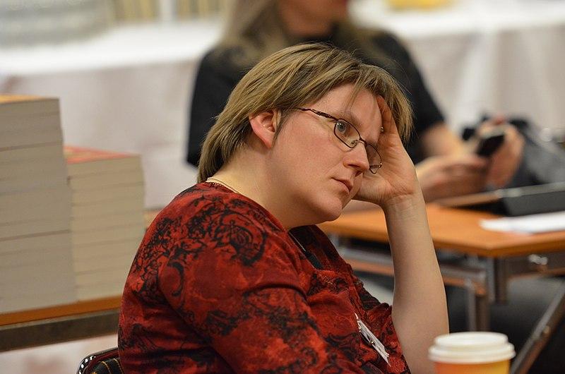 Anne Leinonen i publiken.