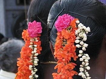Women in Tamil nadu traditionally wear fresh f...