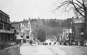 English: Main Street East, Peterborough, New H...