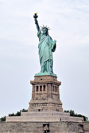 English: The Statue of Liberty on Liberty Isla...