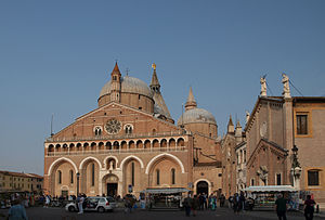 English: Basilica Santo Antonio in Padova, reg...