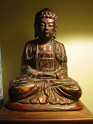 English: Vietnamese devotional statue of the h...