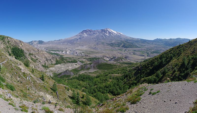File:Panorama of Mount St. Helens.jpg