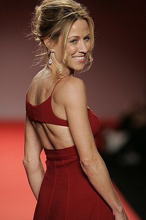 English: Sheryl Crow - Red Dress Collection (H...