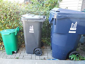 Waste bins in Toronto for municipal pick-up - ...