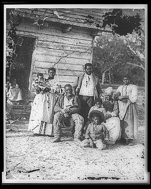 English: Family on Smith's Plantation, Beaufor...
