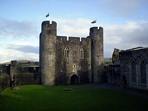 English: Caerphilly Castle in Caerphilly, Wales
