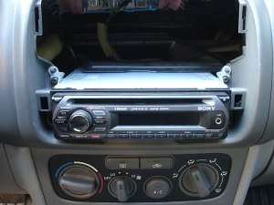 File:Sony MEXBT2500 Xplod Bluetooth stereo head unit ISO