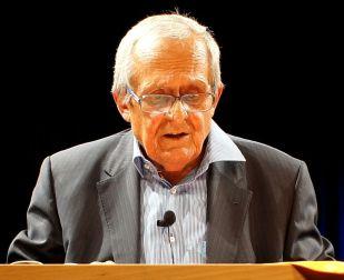 Datei:Dieter Hildebrand 2011-09 Freising.JPG