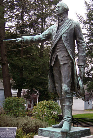 English: Photograph of a statue of George Wash...