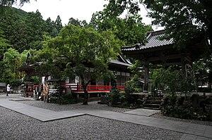 English: Iwamoto-ji temple 日本語: 岩本寺 境内