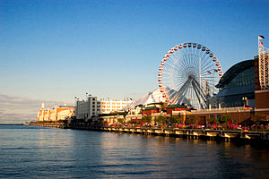 English: A view of Navy Pier from the shorelin...