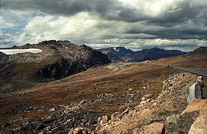 English: Beartooth Highway on the border of Mo...