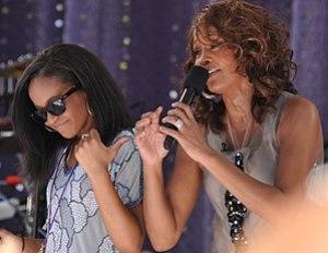 English: American singer Whitney Houston perfo...