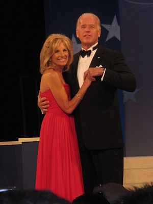 English: Joe and Jill Biden dance at Obama Hom...