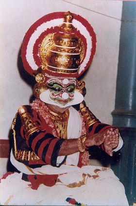 Mani Madhava Chakyar dans un de ses rôles les plus célèbres, Ravana, à Tripunithura. C'était l'une de ses dernières exécutions de Koodiyattam à l'âge de 89 ans