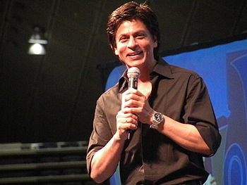 English: Shahrukh Khan at the Zee Carnival in ...