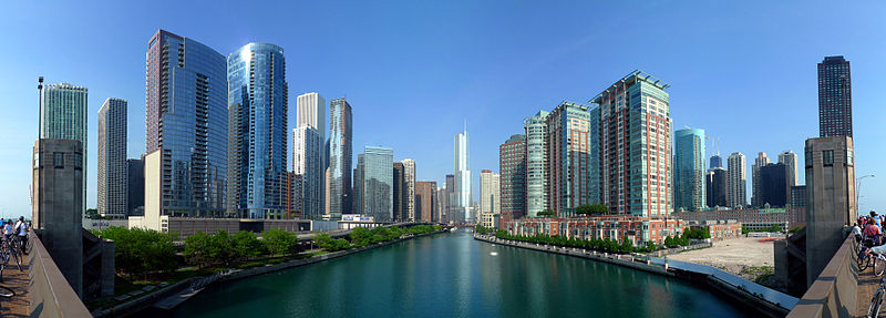 File:20090524 Buildings along Chicago River line the south border  of the Near North Side and Streeterville and the north border of Chicago  Loop, Lakeshore East and Illinois Center.jpg