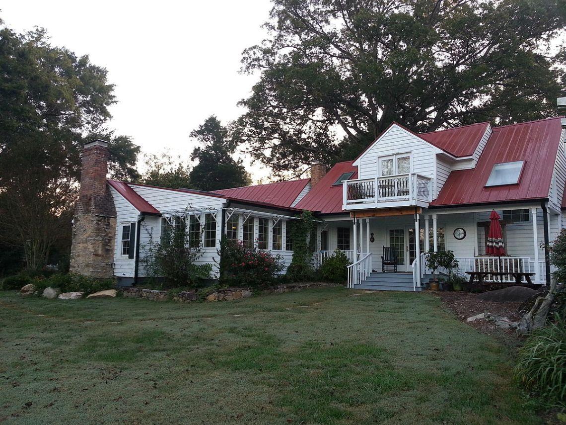 Farmhouse Chapel Hill