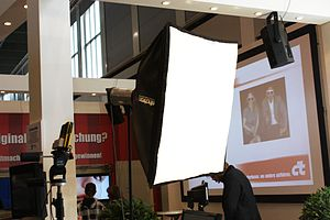 Deutsch: IFA 2010, Berlin; Fotolampe; Studiola...