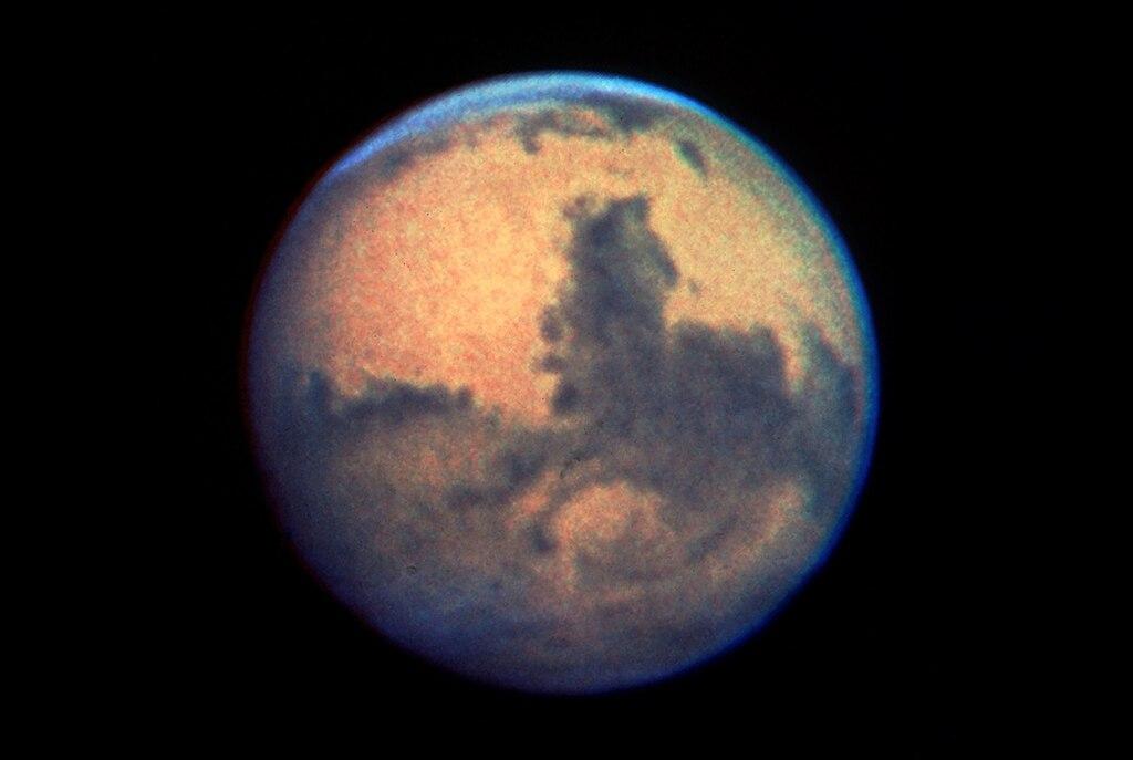 File Mars From Hubble Dec 13 1990 Jpg Wikimedia Commons