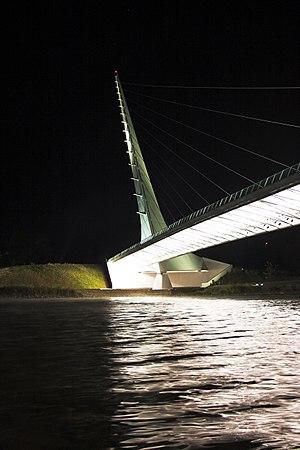 English: Sundial Bridge By: Nathan Soliz Locat...