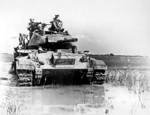 M24 (CHAFFEE) AMERICAN LIGHT TANK USED BY FREN...