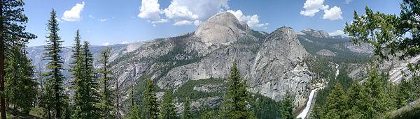 120°-Panorama, Half Dome, Yosemite National Park